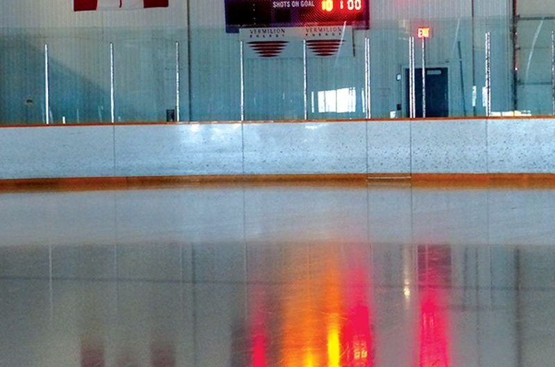 Town council picks 'drop-dead dates for arena ice